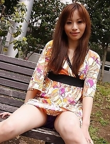 Hot Shiho Goto spreads her legs