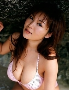 Yoko Matsugane with gigantic assets loves photo sessions