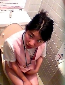Japanese Piss Fetish Videos - Asian Girls Pissing - Fart, Pee and Flow 3